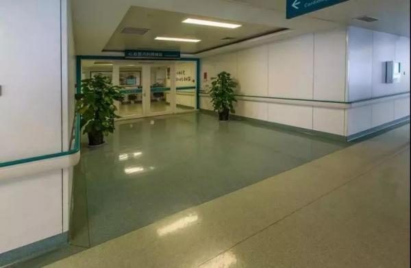 塑胶地板的耐磨性极高深受人们青睐